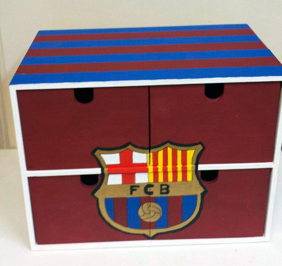 Cajas de madera decoradas con varias t cnicas hazlo t for Decoracion de cajas